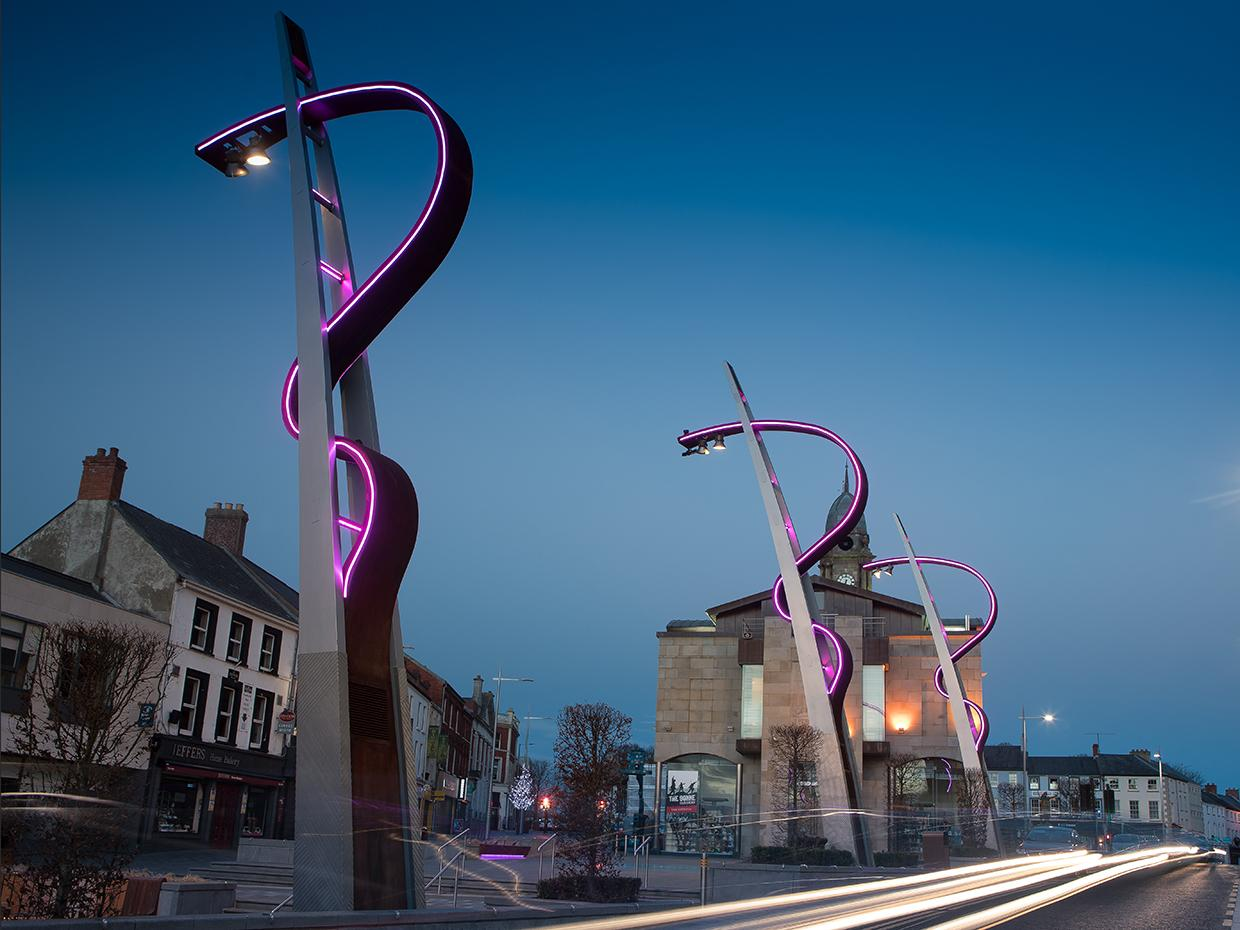 Schréder designed and developed customised lighting columns for Lisburn, Northern Ireland to reflect the city's heritage and identity